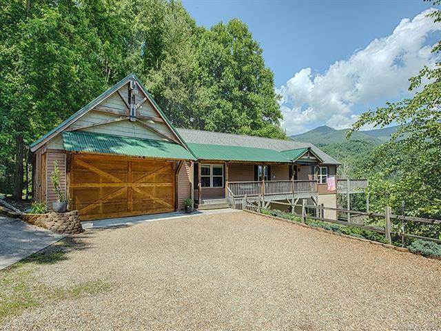 262 Sams Trail, Waynesville, NC 28786 (#3400914) :: Puffer Properties