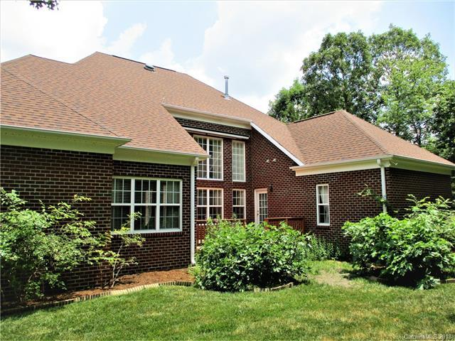 2000 Bauer Place, Waxhaw, NC 28173 (#3402175) :: Exit Mountain Realty
