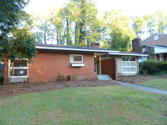 1439 Pine Valley Loop, Fayetteville, NC 28305 (#3402198) :: Exit Mountain Realty
