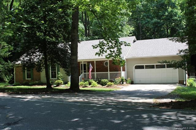 511 E Braewick Road E, Tryon, NC 28782 (#3403368) :: Exit Mountain Realty