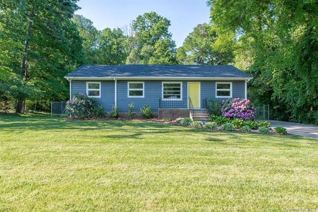 1032 Ravendale Drive, Charlotte, NC 28216 (#3404080) :: Rinehart Realty