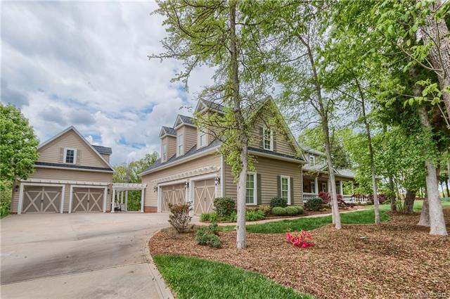 749 Cooks Cove Ridge, Lake Wylie, SC 29710 (#3404311) :: Odell Realty