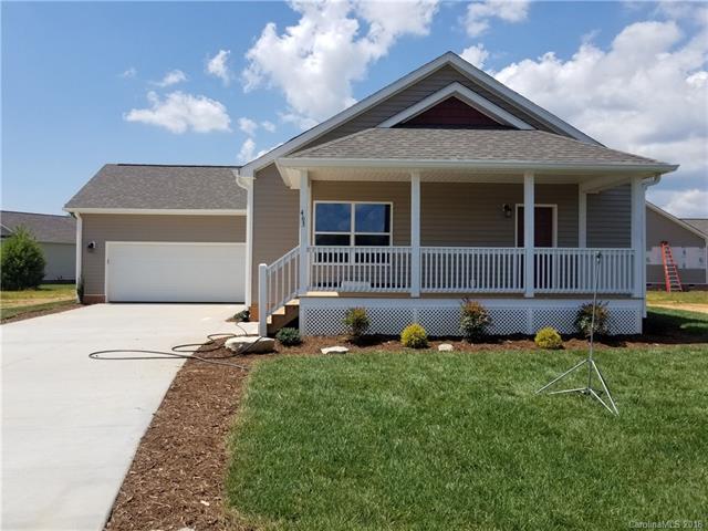 463 Riverwind Drive, Hendersonville, NC 28792 (#3404335) :: Puffer Properties