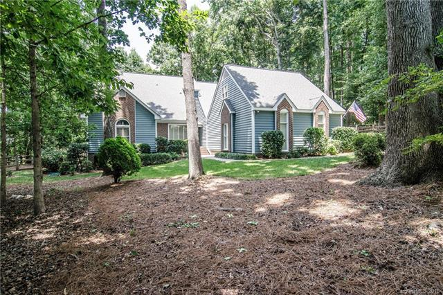 9701 Grasmere Drive, Charlotte, NC 28270 (#3405102) :: The Ramsey Group