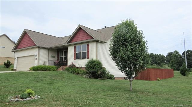 437 Beck Creek Circle, Flat Rock, NC 28731 (#3405707) :: The Premier Team at RE/MAX Executive Realty