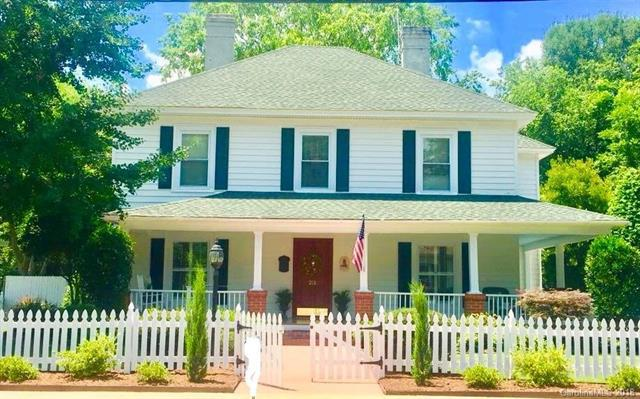 211 Springs Street, Fort Mill, SC 29715 (#3408421) :: Exit Mountain Realty