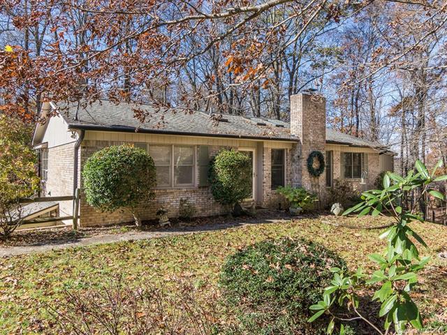 403 Haywood Knolls Drive, Hendersonville, NC 28791 (#3408536) :: Robert Greene Real Estate, Inc.