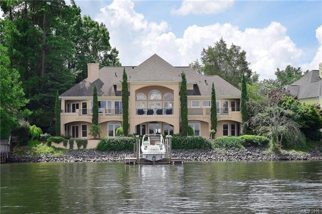 15904 Riverpointe Drive, Charlotte, NC 28278 (#3408714) :: Carlyle Properties