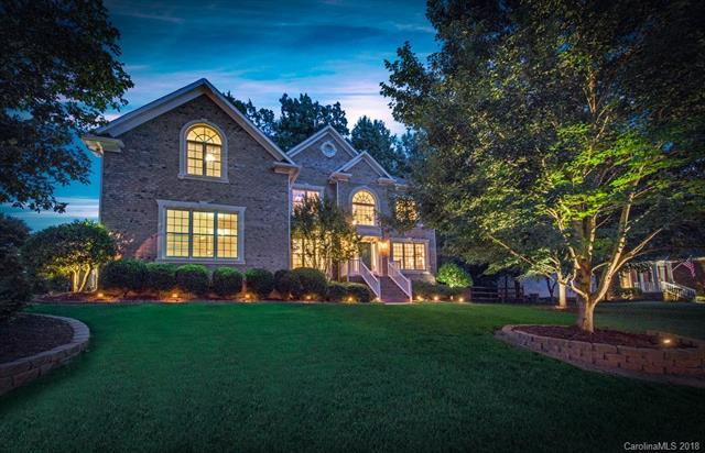 5512 Silver Creek Drive, Waxhaw, NC 28173 (#3409813) :: The Ann Rudd Group