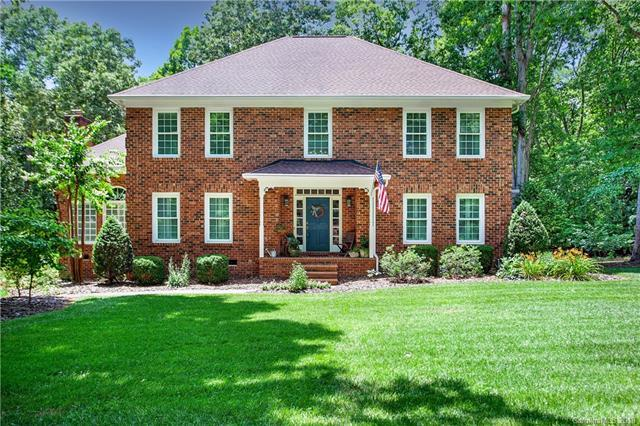 716 Providence Oak Lane, Matthews, NC 28104 (#3410538) :: LePage Johnson Realty Group, LLC