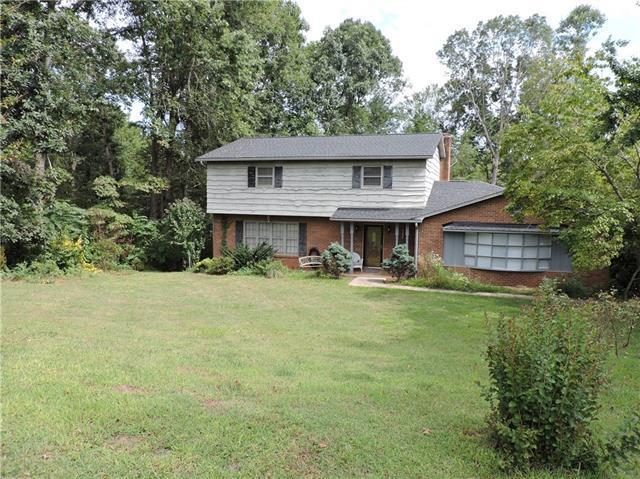 6174 Mountainside Drive, Hickory, NC 28601 (#3411168) :: LePage Johnson Realty Group, LLC