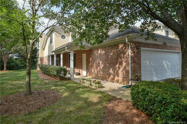 11233 Villa Trace Place, Charlotte, NC 28277 (#3414397) :: Team Southline