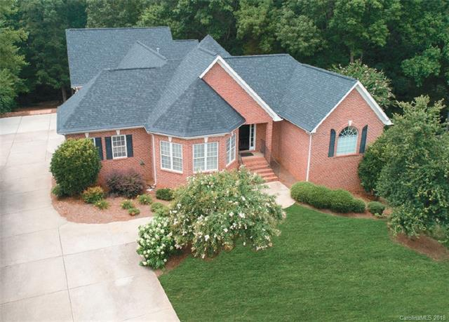 1915 Cavendale Drive, Rock Hill, SC 29732 (#3415668) :: Exit Mountain Realty