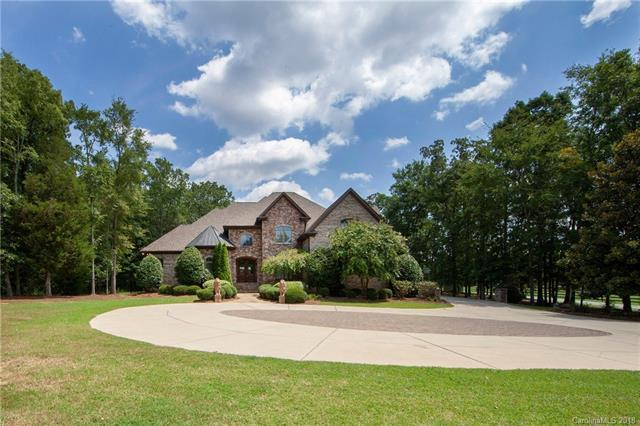 204 Chaucer Lane, Matthews, NC 28104 (#3416356) :: High Performance Real Estate Advisors