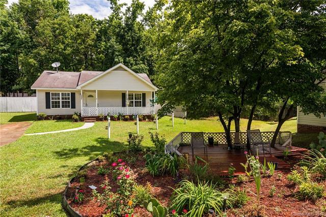 3607 Greenloch Court, Charlotte, NC 28269 (#3416839) :: The Ramsey Group