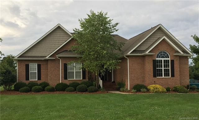 907 Clear Creek Circle #24, Lincolnton, NC 28092 (#3417187) :: Rinehart Realty