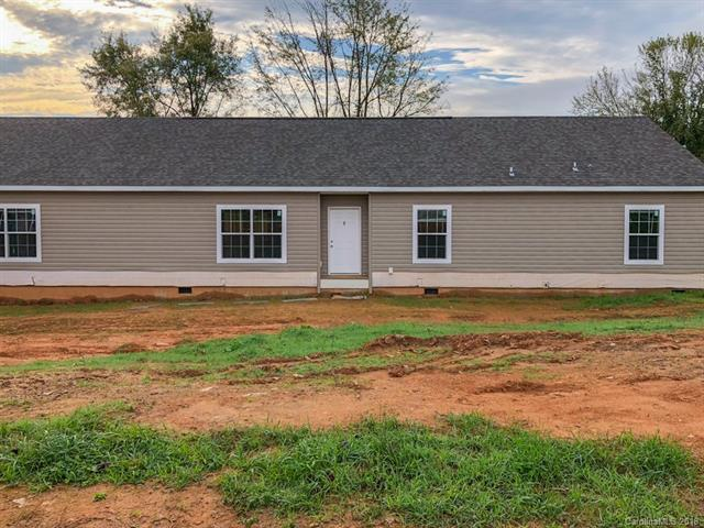 24 Round Top Circle, Mills River, NC 28759 (#3417923) :: Johnson Property Group - Keller Williams