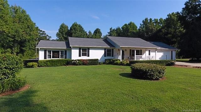 1537 Gloster Lane, Lincolnton, NC 28092 (#3418630) :: Roby Realty