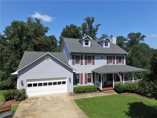 5695 Gold Creek Bay Drive, Hickory, NC 28601 (#3420588) :: Exit Mountain Realty