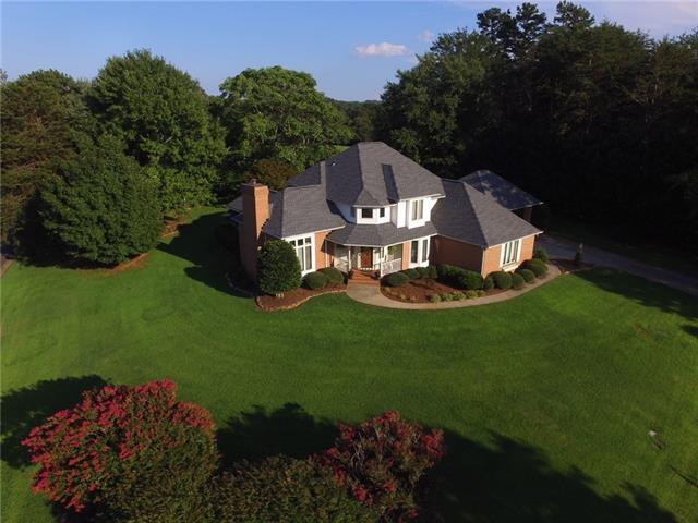 4806 Brookridge Drive NE, Hickory, NC 28601 (#3422074) :: Mossy Oak Properties Land and Luxury