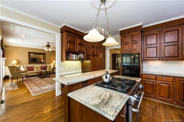 9342 Sardis Glen Drive, Matthews, NC 28105 (#3423119) :: High Performance Real Estate Advisors