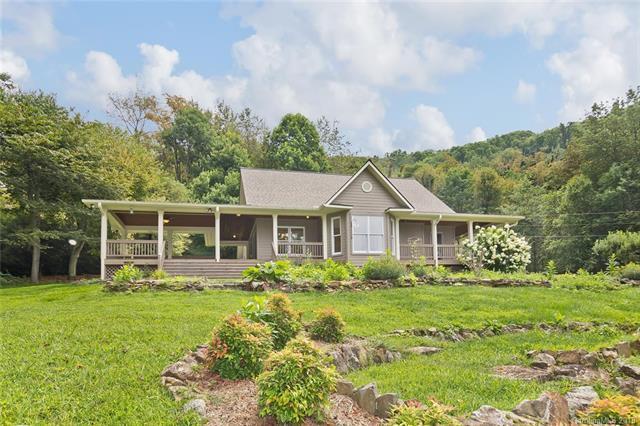 207 Presidential Drive, Waynesville, NC 28786 (#3424612) :: High Performance Real Estate Advisors