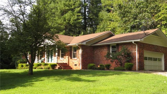 790 Crooked Creek Road, Hendersonville, NC 28739 (#3425620) :: RE/MAX Four Seasons Realty