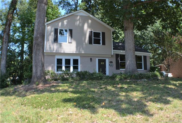 3511 Erinbrook Lane, Charlotte, NC 28215 (#3427881) :: The Andy Bovender Team