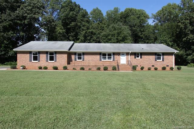 6011 Kinghurst Drive, Charlotte, NC 28227 (#3430104) :: LePage Johnson Realty Group, LLC