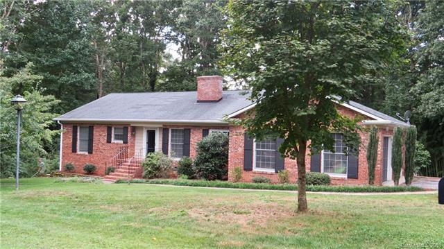 209 Heathcote Road, Hendersonville, NC 28791 (#3431047) :: Exit Mountain Realty