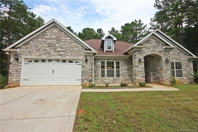 6605 Neck Road, Huntersville, NC 28078 (#3432653) :: LePage Johnson Realty Group, LLC