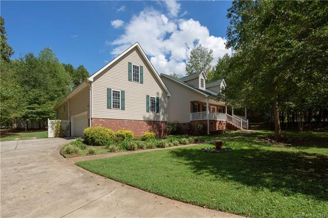 724 Falling Water Drive, York, SC 29745 (#3432658) :: Stephen Cooley Real Estate Group