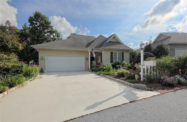 55 Ashefield Court, Hendersonville, NC 28791 (#3432701) :: Zanthia Hastings Team