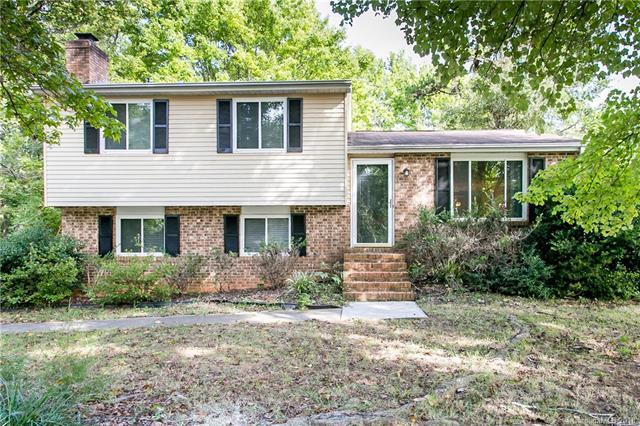 6230 Holly Knoll Drive, Charlotte, NC 28227 (#3432982) :: Exit Mountain Realty