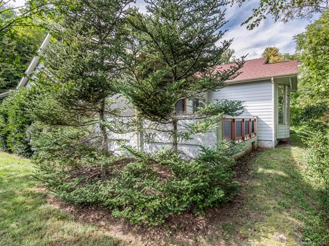 23 River Knoll Drive, Asheville, NC 28805 (#3433302) :: High Performance Real Estate Advisors