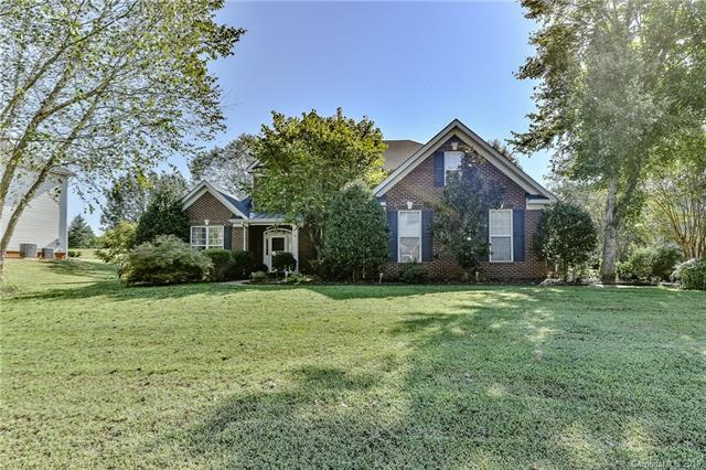 1605 Ambergate Drive 106B, Waxhaw, NC 28173 (#3433981) :: Rowena Patton's All-Star Powerhouse