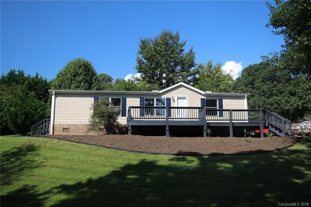 284 Mckinney Pointe Drive, Etowah, NC 28729 (#3435290) :: Puffer Properties