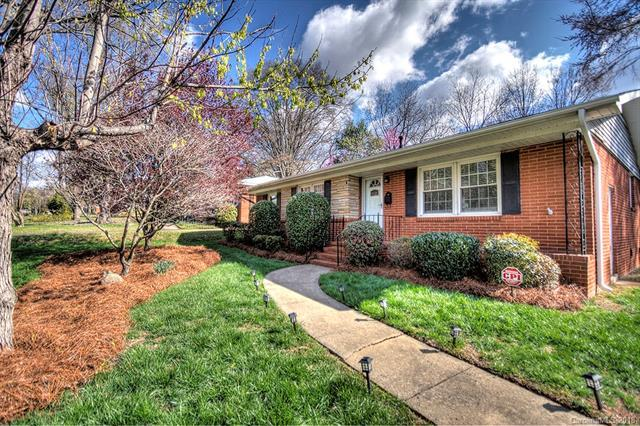 6631 Candlewood Drive, Charlotte, NC 28210 (#3435816) :: Team Southline