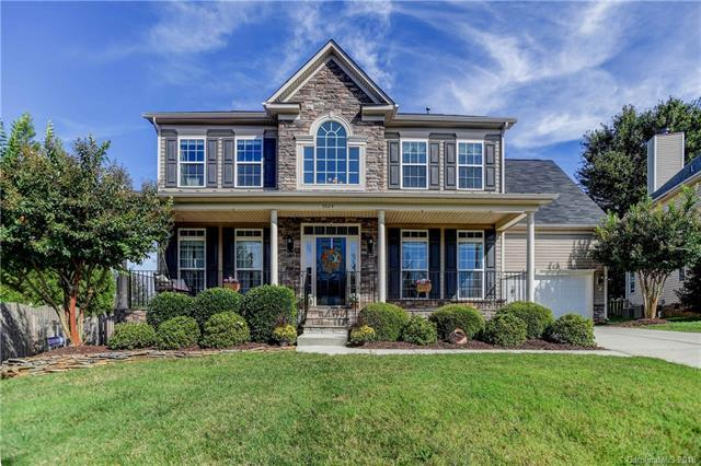 5024 Chapel Chase Lane, Huntersville, NC 28078 (#3437327) :: Miller Realty Group