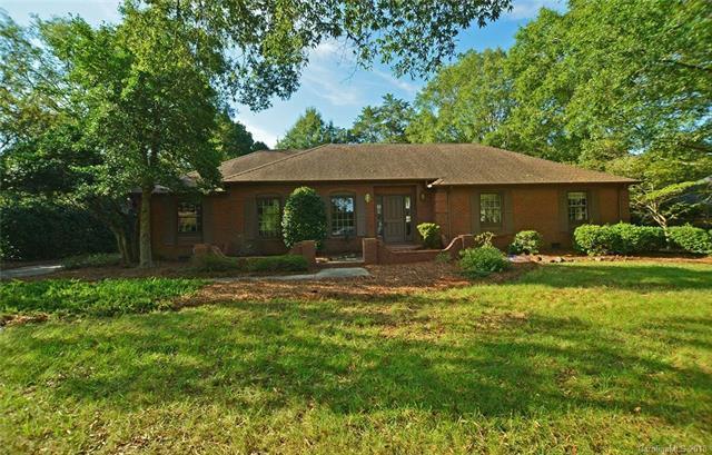 4120 Pepperidge Drive, Charlotte, NC 28226 (#3438689) :: Rinehart Realty