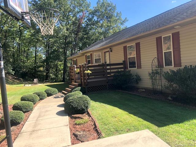 540 Ivy Lane, Pisgah Forest, NC 28768 (#3439838) :: Washburn Real Estate