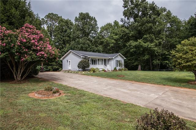 9431 Westridge Drive, Hickory, NC 28601 (#3440143) :: Exit Mountain Realty