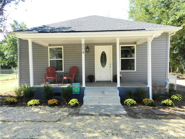 204 Valley Avenue, Clover, SC 29710 (#3440410) :: LePage Johnson Realty Group, LLC