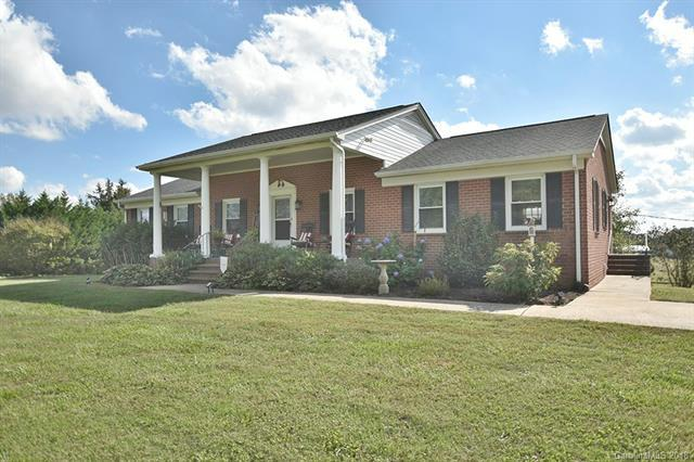 1123 Ridge Road, Clover, SC 29710 (#3443205) :: Phoenix Realty of the Carolinas, LLC