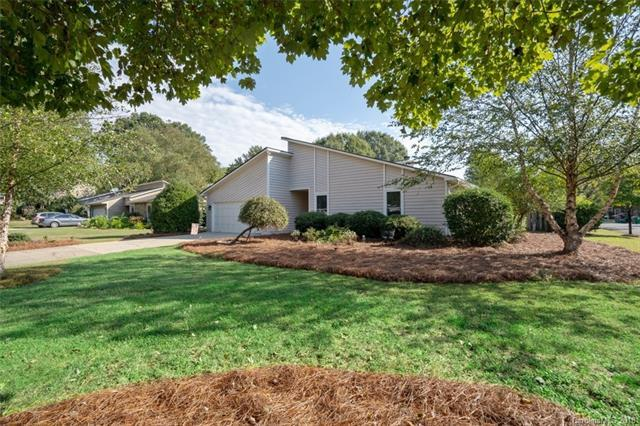 9925 Fairway Ridge Road, Charlotte, NC 28277 (#3443960) :: The Premier Team at RE/MAX Executive Realty