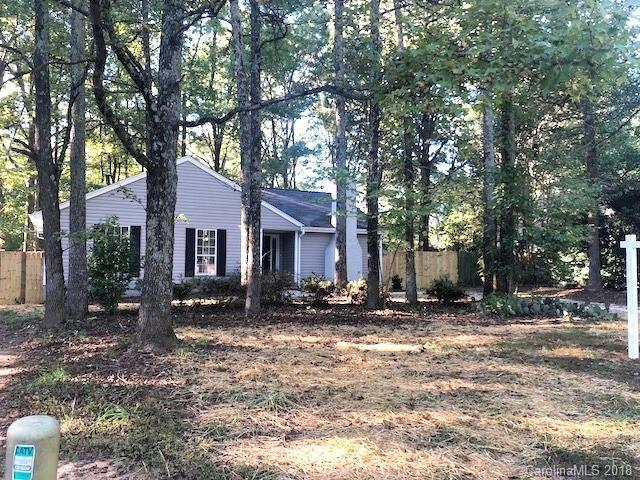 5736 Carved Oak Circle, Charlotte, NC 28227 (#3444958) :: Rinehart Realty