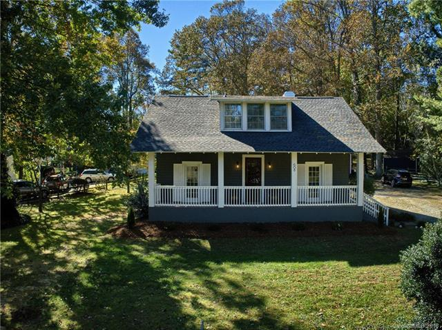 608 Canal Drive, Laurel Park, NC 28739 (#3445018) :: Rinehart Realty
