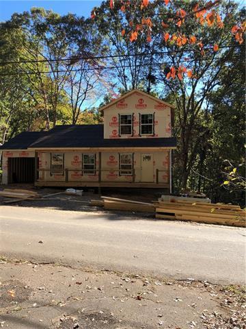 212 Thomas Park Drive, Waynesville, NC 28786 (#3445994) :: Rinehart Realty