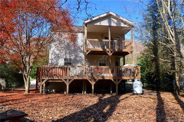84 Indian Trace, Maggie Valley, NC 28751 (#3446810) :: Rinehart Realty