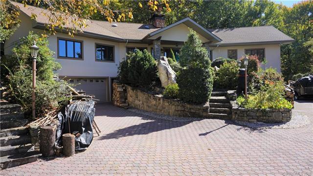 445 Brandywine Road, Waynesville, NC 28786 (#3447578) :: Exit Mountain Realty